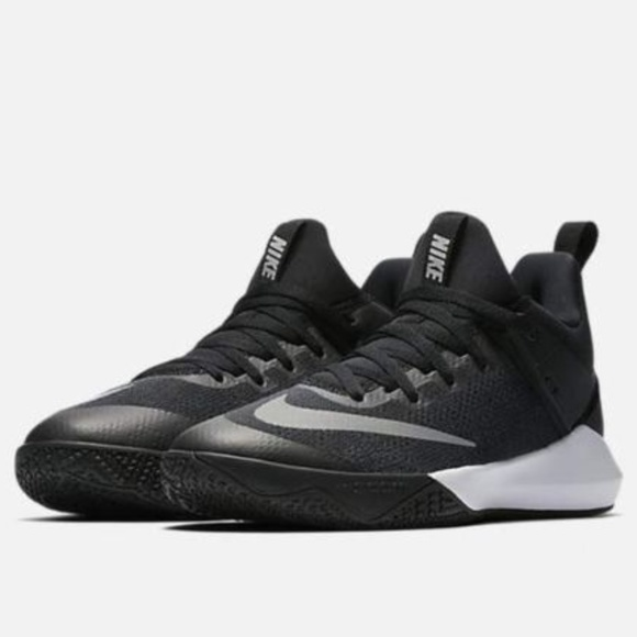 new style e041e 1de9a Nike Zoom Shift TB Basketball Shoes